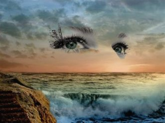 ojos en el mar